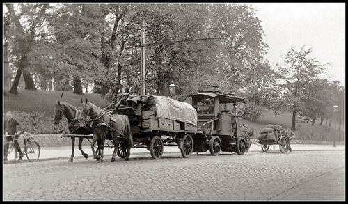 Trolleytruck convoy