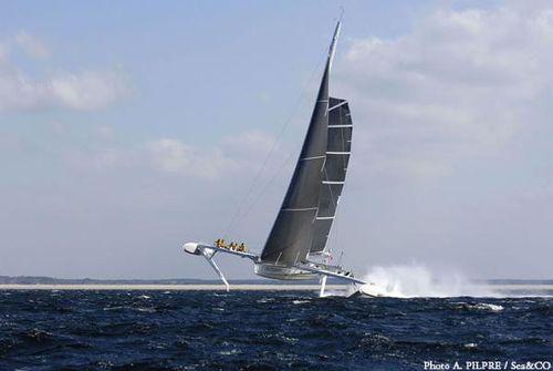 L'hydroptere snelheidsrecord zeilboot