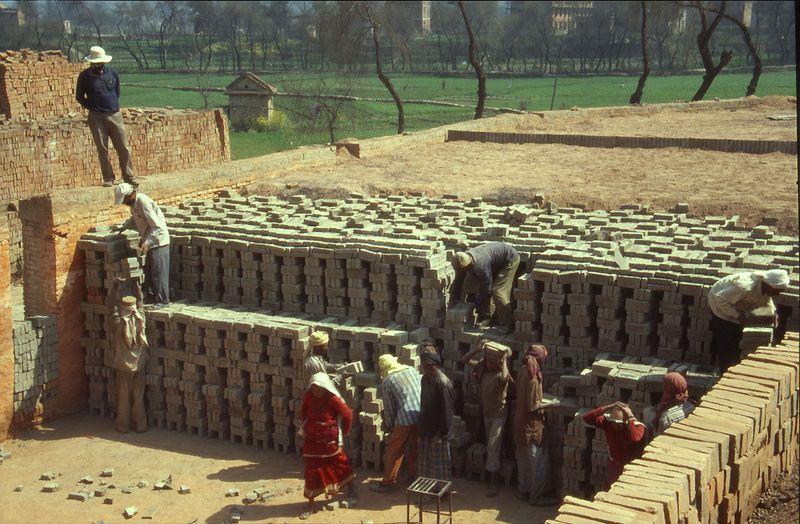 Baksteen productie in nepal