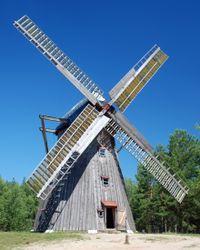 Poolse windmolen met zelfzwichting