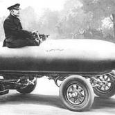 Jamais contente, een elektrische auto uit 1899