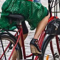 Cycle chics, fietsen met een rokje
