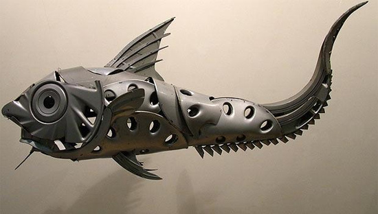 Strange-fish-sculpture by ptolemy elrington