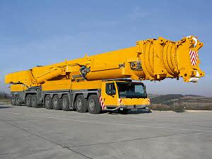 Liebherr mobile crane 1200 tonnes
