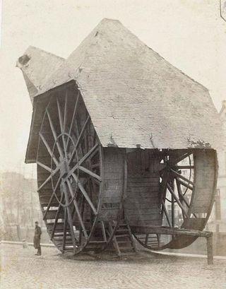 Medieval harbour crane 2 bruges