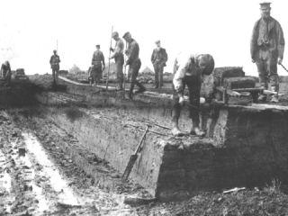 Turf graven in het hoogveen