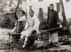 Chinese wheelbarrow 1910