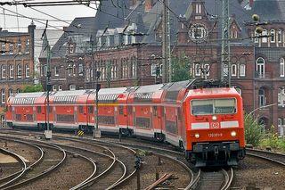 800px-DB_120.2_120_201-9_Hamburg_7184