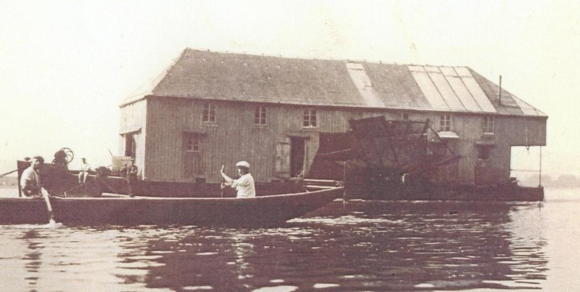 Boat mills: water powered, floating factories - LOW-TECH MAGAZINE on
