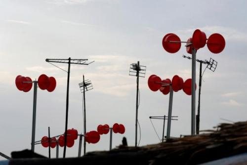 Windmolen gemaakt van plastic emmers