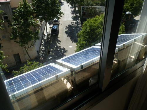 Zonnepanelen op de vensterbank