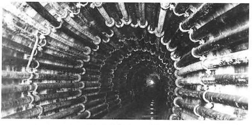 Pneumatic tubes installed in paris sewer network