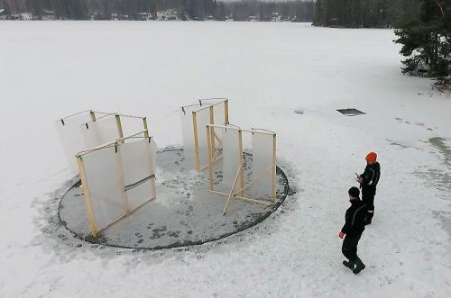 Windpowered ice carousel